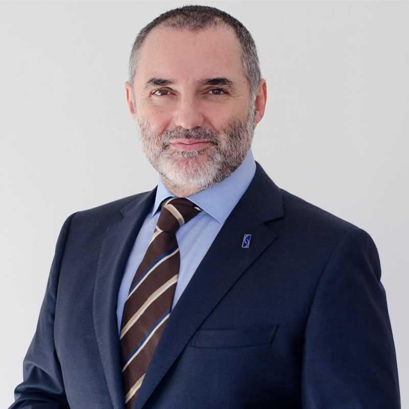 Dr. José Luis Vila Moriente.