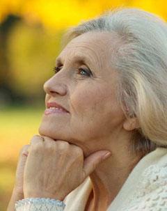 La AEDV apuesta por la investigación en dermatología geriátrica
